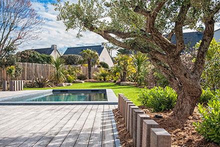 Terrasses clotures ouvrages et d cors bois sarl pain concept et design paysage 44740 batz - Cloture claire voie ...